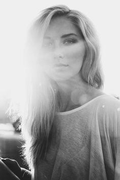 Backlit Photography 101: Secrets of Expressive Backlit Portraits
