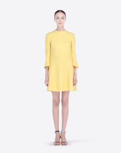 Crêpe,Solid color,Round collar,Zip,Two front pockets,Lined interior,3/4 length sleeves,