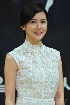 "I Hear Your Voice (너의 목소리가 ë""¤ë ¤) - Drama - Picture Gallery Lee Bo Young, Korean Actresses, Actors & Actresses, Ji Song, Asian Woman, Asian Girl, Kim Ji Won, Park Min Young, Korean Drama"