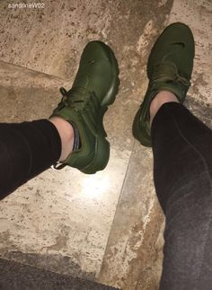 Nike delivers innovative products, experiences and services to inspire athletes. All Black Sneakers, Shoes Sneakers, Shoes Heels, Cute Shoes, Me Too Shoes, Olive Green Nike, Presto Shoes, Heeled Boots, Shoe Boots