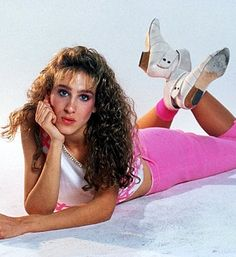 Sarah Jessica Parker - eighties 80s Vintage Fashion. Yes I know what movie this is from. Do you?