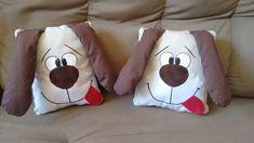 Cachorro naninha. Todo fofinho para acompanhar suas crianças em qualquer idade e a qualquer momento do dia. São excelentes também como decoração. Tamanho aproximado 25x25 cm. Podem ocorrer alterações nos tons de cores dos tecidos. Em caso de dúvida contate a vendedora antes de realizar a compra. Cute Pillows, Diy Pillows, Sewing Toys, Sewing Crafts, Diy Bebe, Operation Christmas Child, Baby Sewing Projects, Art Drawings For Kids, Flower Pillow