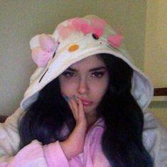 Lana del Rey knock off Aesthetic Grunge, Aesthetic Photo, Aesthetic Girl, Aesthetic Pictures, Style Grunge, Grunge Girl, Fitness Pictures Women, Tumbrl Girls, Foto Casual