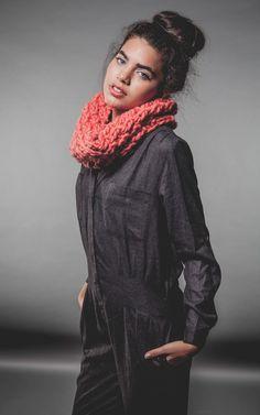 Kind Snood - Buy Wool, Needles & Yarn Snoods - Buy Wool, Needles & Yarn Kits de Tricot | WE ARE KNITTERS