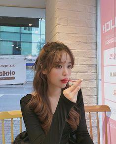 Korean Bangs Hairstyle, Hairstyles With Bangs, Pretty Hairstyles, Korean Haircut, Asian Hairstyles, Men Hairstyles, Korean Hairstyles Women, Redhead Hairstyles, Lob Hairstyle