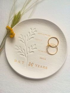 parents wedding gift, 30th wedding anniversary gift, 30th anniversary gift for parents, 25th wedding anniversary gift, golden anniversary by CuentaseHistorias#25th #30th #anniversary #cuentasehistorias #gift #golden #parents #wedding 30th Anniversary Gifts For Parents, 25 Wedding Anniversary Gifts, Wedding Gifts For Parents, Golden Anniversary, Gifts For Mom, Clay Stamps, Fabric Stamping, Parent Gifts, Paper Decorations