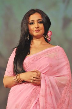 Divya Dutta Indian Bollywood Actress, Indian Actresses, Bollywood Fashion, Pretty Girl Wallpaper, Divya Dutta, Cotton Saree Designs, Indian Beauty Saree, Beautiful Indian Actress, Beauty Queens