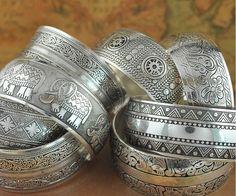 Aliexpress.com: Comprar Bohemia Antalya brazaletes, plata antigua tallar declaración patrón, Boho coachella, Festival turco joyería de la mano, 8 diseño elefante de pulsera de los hombres fiable proveedores en LUCKY DESIGNER JEWELRY