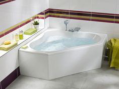 Une baignoire d'angle avec siège