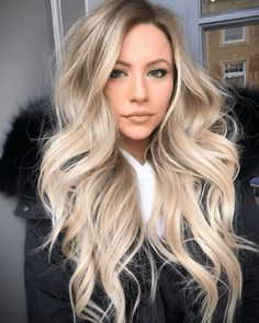 Medium Blonde Hairstyle - 40 Beautiful Blonde Balayage Looks - The Trending Hairstyle Blonde Ombre Hair, Platinum Blonde Hair, Ombre Hair Color, Balayage Hair, Thick Blonde Hair, Blonde Hair Shades, Sandy Blonde Hair, Long Blonde Wig, Bright Blonde Hair