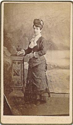 C1870 1879 CDV Elegant Woman Hat jabot Bustle Seneca Kansas Photo   eBay