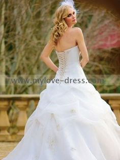 Sweetheart Ball gown Embroider bodice and organza ruched Strapless white Wedding Dress On Sale
