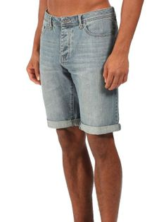 Short Bench Homme. Jean bleu léger. Adoptez le modèle Bench Roadhouse...