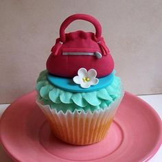 The Icing on the Cake: Purse Cupcakes