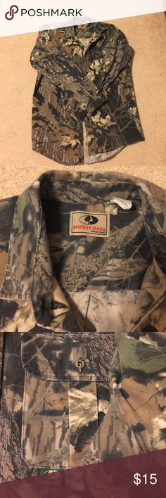 Mossy Oak men's hunting shirt. Perfect for your hunter. Mossy Oak Break Up size L shirt. Heavy gage cotton, long tails for tucking or not!  Great condition! Shirts Casual Button Down Shirts