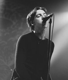 Van Mccann is really good looking. Catb gig at the riviera theatre Photo,gina scarpino Van Mccann Girlfriend, Ryan Evans, Don Mclean, Catfish & The Bottlemen, Aesthetic Indie, Baby Daddy, Cool Bands, Music Artists, How To Look Better