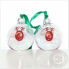 Reindeer Thumbprint Christmas Ornaments Tutorial for a Christmas party craft. #christmas #craft #kids