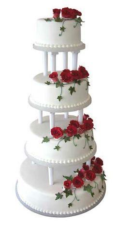 Bryllupskage med røde roser