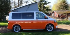 T his is a Volkswagen Transporter 102 PS, in two-tone retro orange and white. It has covered just miles and has a Full service History. It has been professionally converted into a campervan which is of the highest quality. Beetles Volkswagen, Volkswagen Transporter, Volkswagen Bus, T5 Transporter, Classic Campers, Vw Classic, Vw T5 Campervan, Campervan Ideas, Vw Transporter Conversions