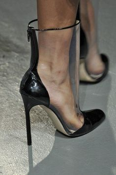 The Craziest Shoes of New York Fashion Week - love this.