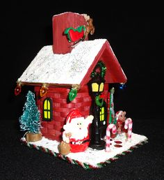 Santa's House 2017 Christmas Woven Treasure!  $38.99 Gingerbread, Baskets, Miniatures, Santa, Heart, Christmas, Crafts, House, Navidad