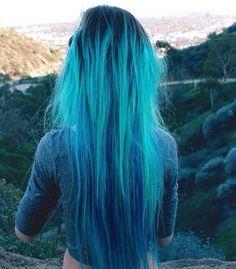 Cabello azul turquesa