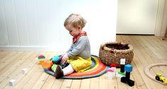 Liv´s playrug @ http://www.pickles.no/livs-playrug/ (#free #crochet #pattern)