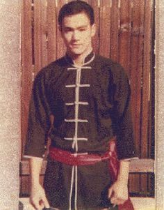 Rare Bruce Lee photo; wearing traditional chinese clothing