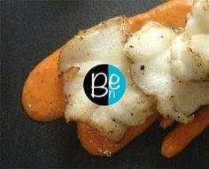 Le coulis de poivrons doux, une sauce pour vos poissons très raffinée...  La recette complète : http://lacuisinedeben.com/le-coulis-de-poivrons-doux/  #sauce #poivron #délice #poisson #lacuisinedeben
