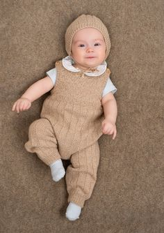 Layette Knitting For Kids Baby Knitting Baby Boy Baby Kids Knitted Romper Baby Pants Crochet Bebe Knit Crochet Baby Boy Knitting, Knitting For Kids, Baby Knitting Patterns, Baby Patterns, Baby Dungarees, Baby Barn, Knitted Baby Clothes, Baby Pants, Baby Sweaters