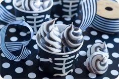 Spooky Swirled Meringues - Bake at Chic Halloween, Halloween Treats, Halloween Door, Nutella Biscuits, Imperial Sugar, Icing Tips, Meringue Cookies, Biscuit Recipe, Sweets Recipes