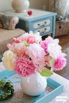 Crea bonitos centros de mesa con papel de seda. Es muy sencillo si sabes cómo hacer las flores, ¿quieres verlo?