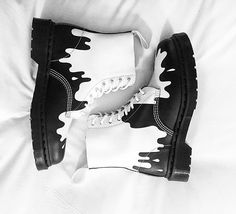 The Paint Splat Pascal boot, shared by giuliafacchi
