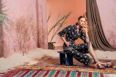Вдохновением для новой летней коллекции от Alena Goretskaya стала Африка. Это яркая цветовая палитра, смешение стилей, анималистические и этнические принты, натуральные материалы, фурнитура и, конечно же, авторские аксессуары, которые дополнили и завершили образы, ярко отражающие стиль коллекции.  #alenagoretskaya #аленагорецкая #лето2020 #летнийобразженский #летнийобраз #тренды2020 #мода2020 #летнийобразнаработу #весна2020 #африка #образналето #платье #аксессуары2020 #аксессуары #брюки #топ