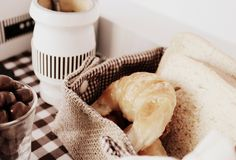 Lit Pasteleria® Cake Boss, Garlic, Cheese, Vegetables, Food, Breakfast, Meal, Eten, Vegetable Recipes
