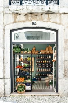 A grocery shop in lisbon worth the visit Shop Front Design, Store Design, Shop Interior Design, Boutique Bio, Deli Shop, Zero Waste Store, Deco Restaurant, Supermarket Design, Fruit Shop