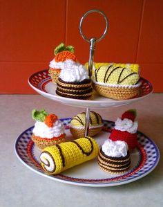 Crochet Cake, Crochet Fruit, Crochet Food, Crochet Gifts, Crochet For Kids, Yarn Crafts, Diy And Crafts, Amigurumi Patterns, Crochet Patterns