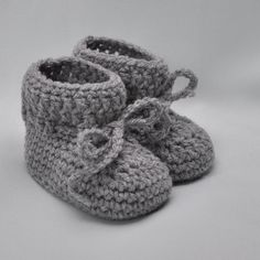 Items similar to Baby Boy Linen Slippers/ Baby jeans booties/ Baby boy shoes on Etsy Crochet Baby Boots, Knit Baby Booties, Knit Crochet, Easy Crochet Blanket, Easy Crochet Patterns, Vintage Knitting, Baby Knitting, Baby Layette, Baby Slippers