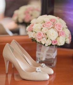 Menyasszonyi csokrok Flowers, Wedding, Shoes, Fashion, Valentines Day Weddings, Moda, Zapatos, Shoes Outlet, Fashion Styles