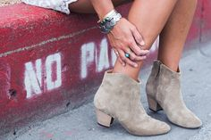 Dallas-Lace_Dress-Isabel_Marant-Booties-Outfit-Road_Trip-42