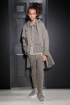Gustav von Aschenbach New York Fashion Week Men's Spring Summer 2018 - Sagaboi - Look 4