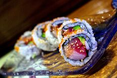 Sun Roll Who doesn't love colorful (Sushi haters need not respond, ha) Indian Food Recipes, Asian Recipes, Ethnic Recipes, Best Sushi Rolls, Sushi Pictures, Cantonese Food, Sushi Love, Asian Soup, Vietnamese Cuisine