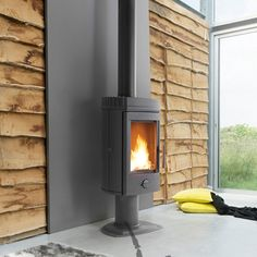 Buy Invicta Mairy 10 kW Wood Burning Stove from Fast UK Delivery and lowest prices guaranteed. Into The Woods, Wood Stove Heat Shield, Wood Stove Wall, Wood Pellet Stoves, Pellets, Paint Fireplace, Log Burner, Wood Burning, Cool Designs