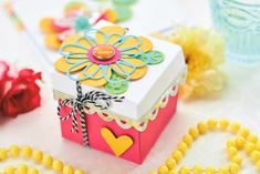 Make this vibrant gift box using the Sizzix Big Shot Plus - PaperCrafter issue 89 (Photography: cliqq.co.uk)