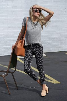 Leopard print; T-shirt; Oxford; Grey; Casual Style; Look of the day; Outfit of the day; Blogger style