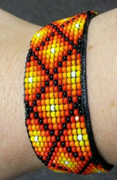Ribbon on velvet with velcro closure. Beaded Braclets, Bead Loom Bracelets, Woven Bracelets, Loom Bracelet Patterns, Seed Bead Patterns, Beading Patterns, Seed Bead Crafts, Native American Beadwork, Tear