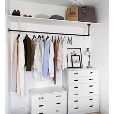 7 Ideas to transform a spare room into a closet (Daily Dream Decor) Too many clothes and not enough space in your bedroom? Well, it' time to think about a spare room. A pantry, a hallway, or another extra bedroom can. Extra Bedroom, Home Bedroom, No Closet Bedroom, Wardrobe Small Bedroom, Closet Dresser, Spare Room Closet, Make A Closet, Master Bedroom, Cheap Closet