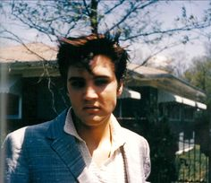 Elvis Presley Rare Images, photos, pictures never seen before 1970 elvis and his daughterGraceland Elvis Presley Las Vegas, Elvis Presley Concerts, Elvis Presley Images, Elvis Presley Family, Rare Images, Rare Photos, Celebrity Travel, Celebrity News, Young Priscilla Presley