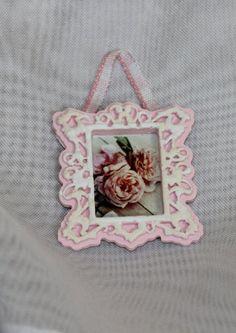 Dollhouse Miniature Shabby Chic Floral Wall by dforsytheminiatures