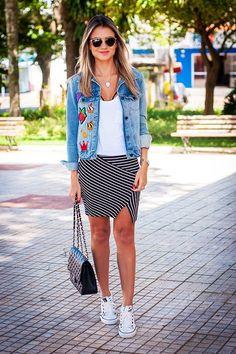 A jaqueta com patches caiu no gosto das fashionista, ganhando as ruas neste outono-inverno. Confira looks para se inspirar com essa tendência.